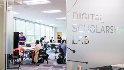 Students in the Digital Scholar Lab